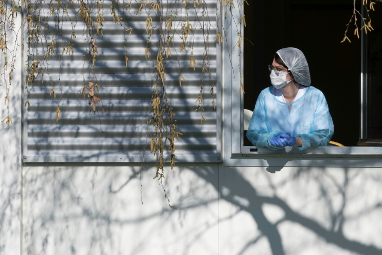 Nouvelle évacuation de patients, l'épidémie s'aggrave — Coronavirus en France