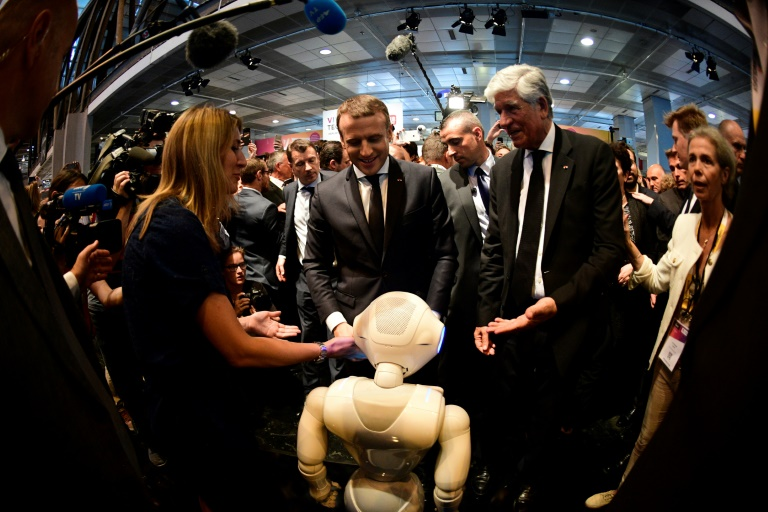 La france serait la nation des start up macron au for Salon de l innovation technologique