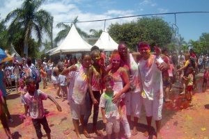 Illustration : [PHOTOS - VIDEO] La Holi : une fête haute en couleurs