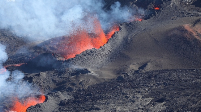 Piton de la Fournaise : passage en alerte 1 éruption probable ou imminente