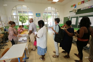 Illustration : Sainte-Marie :  Sans surprise, Didier Robert raffle la commune de Lagourgue