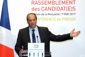 "Illustration : Cambadélis: ""Pas impossible"" que le PS change de nom"
