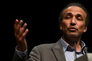 Illustration : Tariq Ramadan, accusé de viols, maintenu en détention provisoire