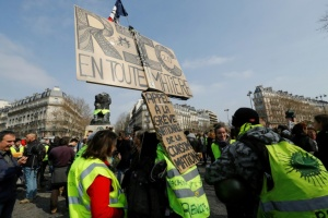 "Illustration : ""Gilets jaunes"": 40.500 manifestants en France"
