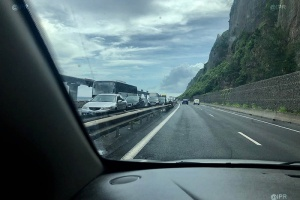 Illustration : Accident sur la route du littoral : fin d'embouteillage dans le sens Saint-Denis - la Possession