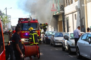 Illustration : Saint-Denis : un important incendie en centre-ville