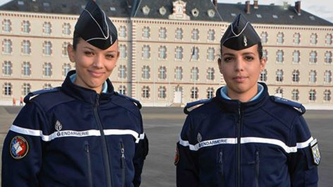 gendarmerie deux r unionnaises se pr parent int grer l 39 cole des officiers gendarmes imaz. Black Bedroom Furniture Sets. Home Design Ideas