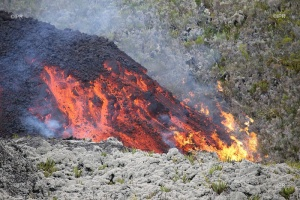 Illustration : Piton de la Fournaise - Le spectacle se poursuit