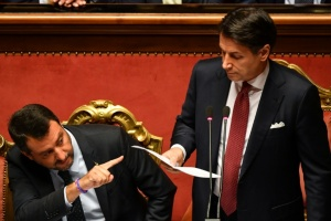 "Illustration : Italie: Conte annonce sa démission, qualifie Salvini d'""irresponsable"""