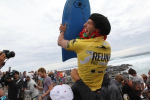 Illustration : Alex Uranga remporte le Nissan Bodyboard Pro