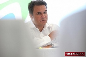 Illustration : Didier Robert porte plainte contre André Thien Ah Koon