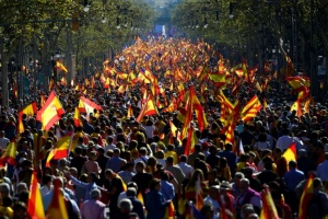 Illustration : Catalogne: des milliers de manifestants anti-sécession à Barcelone