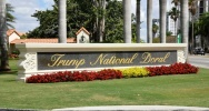 Illustration : Vue de l'entrée du Trump National Doral, le 3 avril 2018