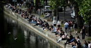 Illustration : Une rive du canal Saint-Martin, le 24 mai 2020 à Paris