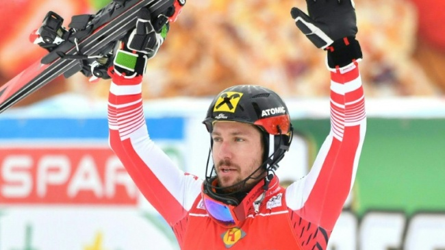 ski l 39 autrichien marcel hirscher remporte le slalom de saalbach imaz press r union l. Black Bedroom Furniture Sets. Home Design Ideas
