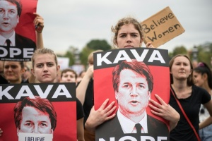 Illustration : Manifestants en colère à Washington pour la confirmation de Kavanaugh