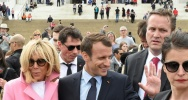 Illustration : Emmanuel Macron et son épouse Brigitte après leur visite du Lincoln Memorial, à Washington le 23 avril 2018