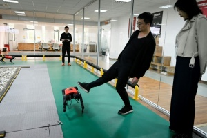 Illustration : Un robochien chinois qui court plus vite que son ombre