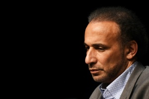 Illustration : Tariq Ramadan sur le point de sortir de prison mais reste poursuivi pour viols