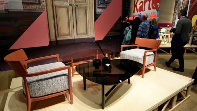 italie salon du meuble de milan kartell ou l 39 innovation permanente imaz press r union l. Black Bedroom Furniture Sets. Home Design Ideas