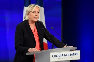 "Illustration : Marine Le Pen annonce ""une transformation profonde"" du Front National"