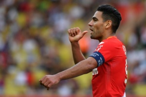 Illustration : Ligue 1: Falcao met la pression sur Paris, Lille dégringole