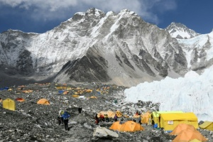 Illustration : Mont Everest : la décharge la plus haute du monde