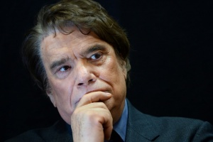 "Illustration : Bernard Tapie traité pour un cancer, sa famille ""optimiste"""