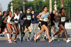 Illustration : Marathon de Paris: dans l'oeil du cyclone, Calvin bat un record en sursis