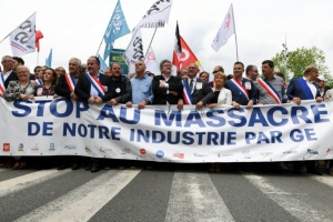 "Illustration : Belfort manifeste contre le ""rouleau compresseur"" de General Elctric"