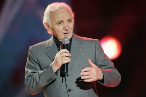 Illustration : Comment Aznavour révolutionna la performance scénique