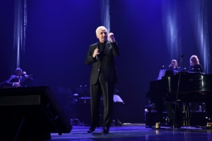 Illustration : Charles Aznavour triomphe à Bercy