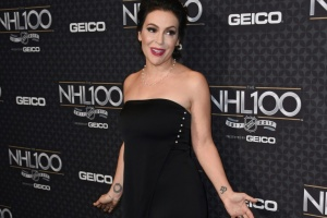 "Illustration : L'actrice Alyssa Milano lance le hashtag ""#MoiAussi"""