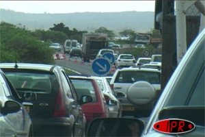 Illustration : Important embouteillage sur la route du littoral